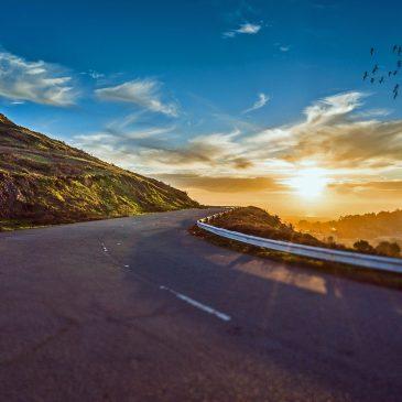 ¿Viajas el puente? Unos consejos para ahorrar en tu viaje por carretera
