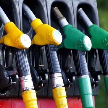 Llega a las gasolineras el nuevo etiquetado de carburantes y vehículos