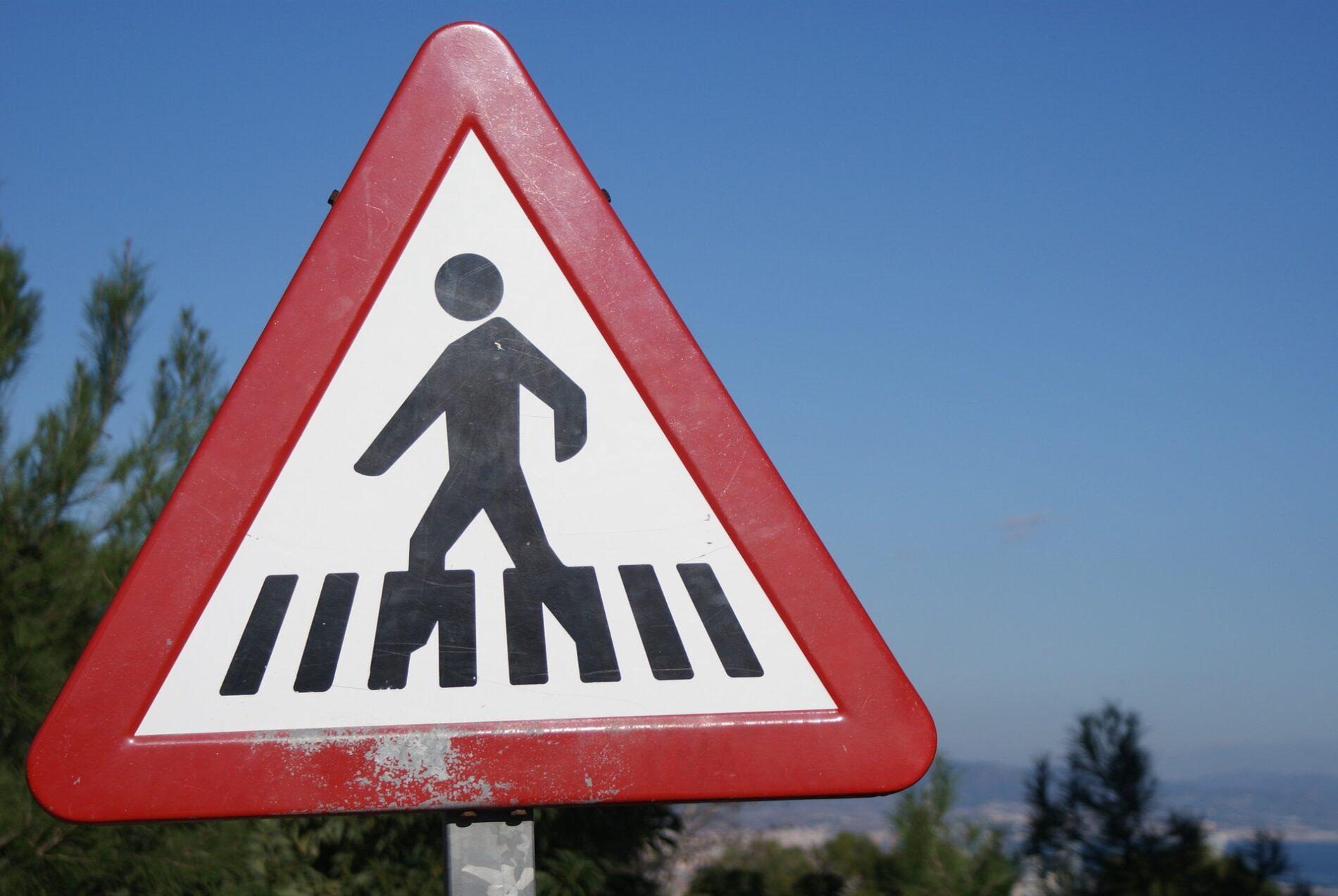 ¿Sabías que la DGT planea ciudades sin señales y casi sin semáforos?