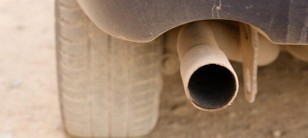 ¿El humo del tubo de escape es negro? A lo mejor este es el problema…